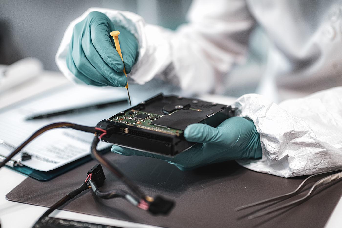 Cos'è l'analisi forense dei sistemi digitali? Tutte le risposte che stai cercando